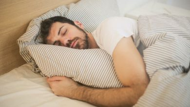 تصویر فواید آجیل برای یک خواب راحت + (چه مقدار پسته برای آرامش خواب بخوریم؟)