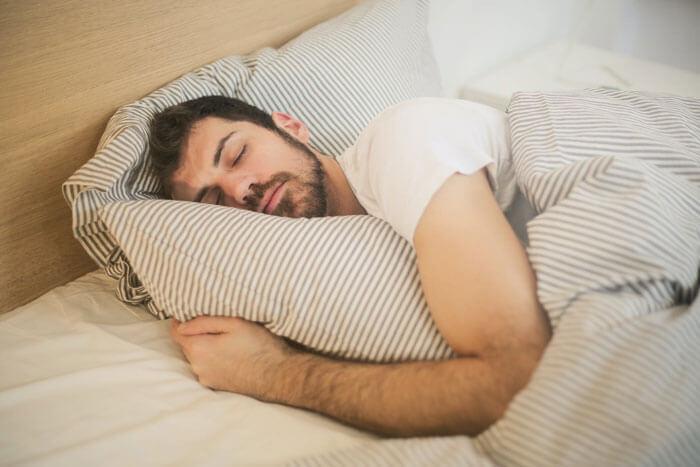 فواید آجیل برای خواب
